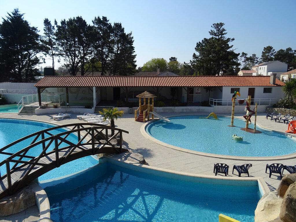 Location camping La Yole**** - Mer et Soleil - espace aquatique chauffé 800m2 - 1800m des plages de Saint Jean de Monts