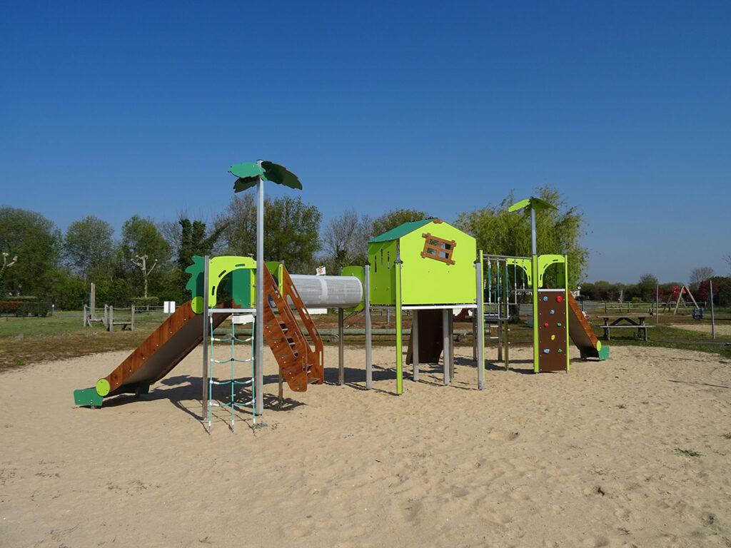 Saint Jean de Monts - Mer et Soleil - camping La Yole**** avec piscines chauffées et jaccuzzi - aire de jeux et club enfants- à 1800m des plages de Saint Jean de Monts
